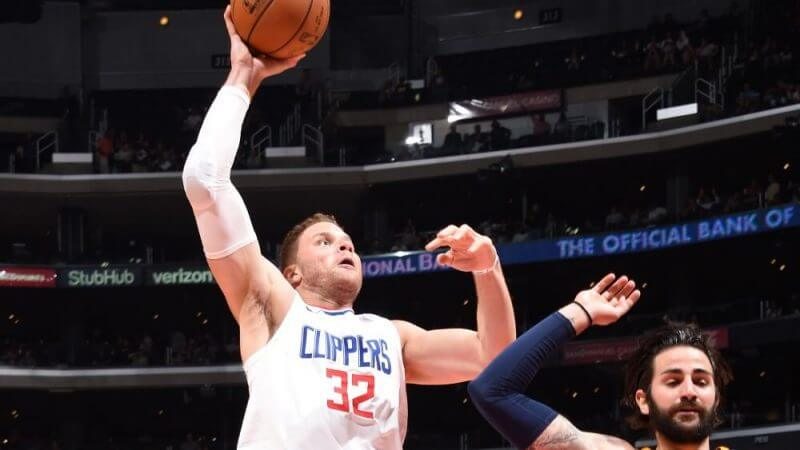 LOS ANGELES, CA - OCTOBER 24: Blake Griffin #32 of the LA Clippers goes up for a dunk against the Utah Jazz on October 24, 2017 at STAPLES Center in Los Angeles, California. NOTE TO USER: User expressly acknowledges and agrees that, by downloading and/or using this Photograph, user is consenting to the terms and conditions of the Getty Images License Agreement. Mandatory Copyright Notice: Copyright 2017 NBAE (Photo by Andrew D. Bernstein/NBAE via Getty Images)