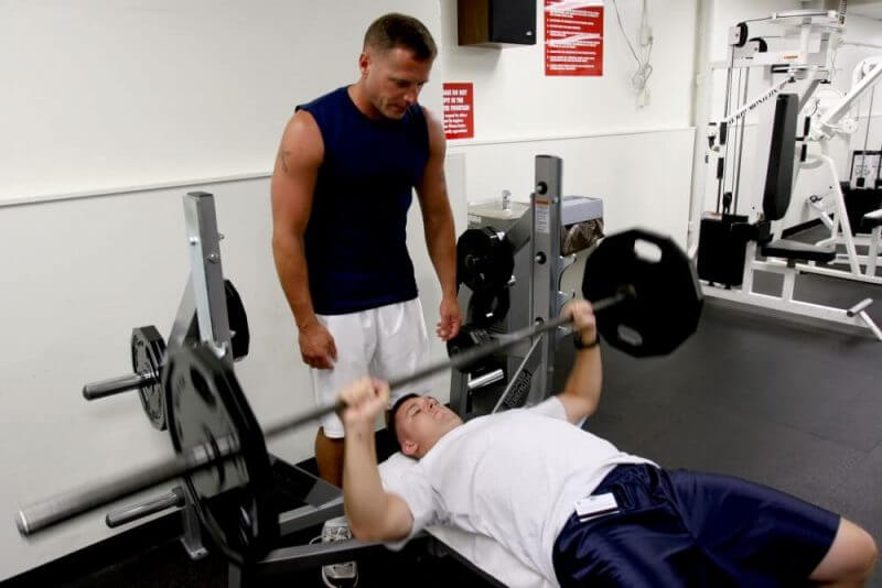 muscle builder lifting bench press