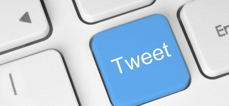 tweet icon on a keyboard