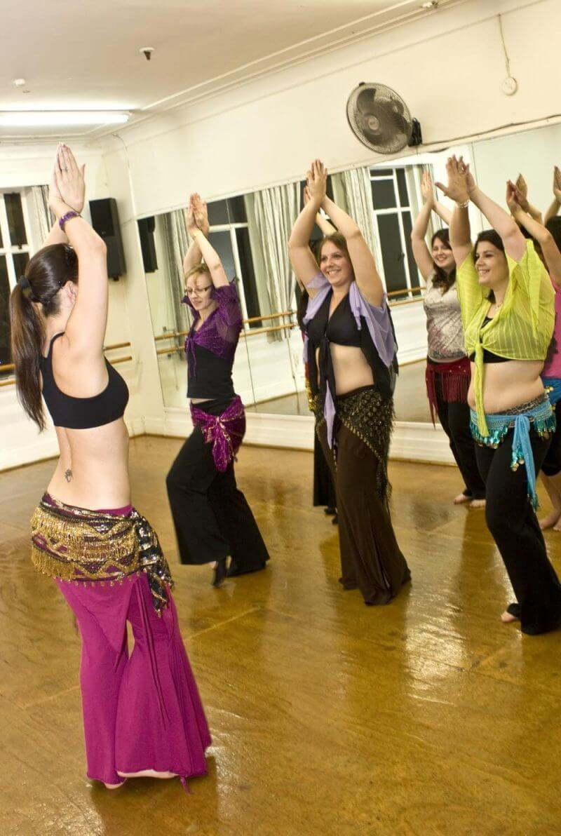 WOMEN DOING BELLY DANCE