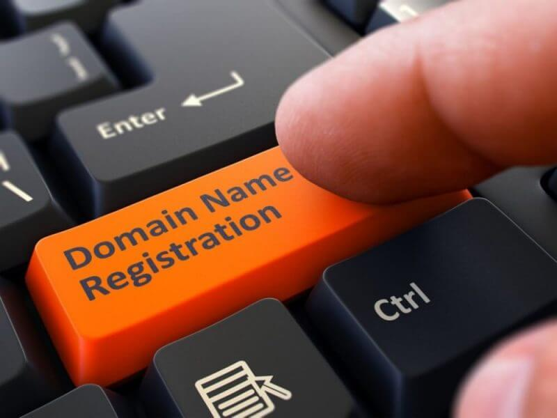 Find valuable domain names
