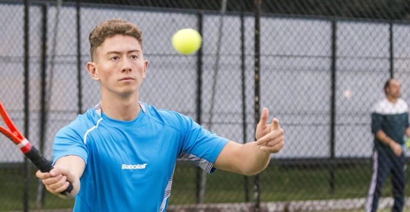 man training tennis