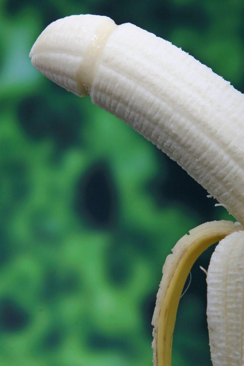 shaped banana