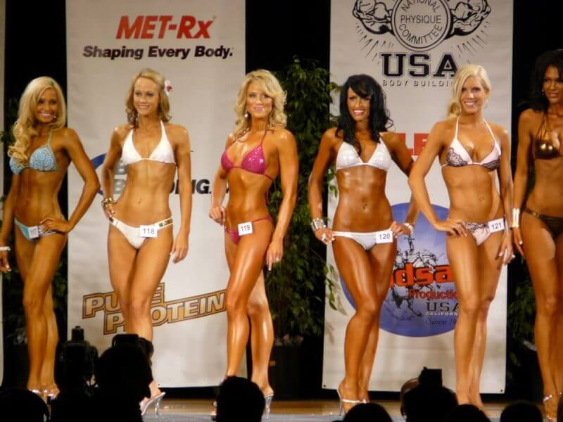 ladies in figure competitions