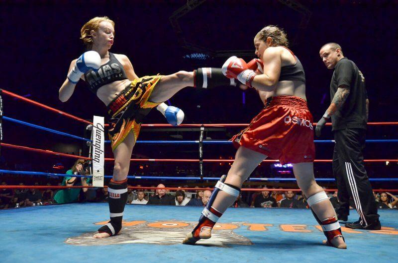 women in kickboxing