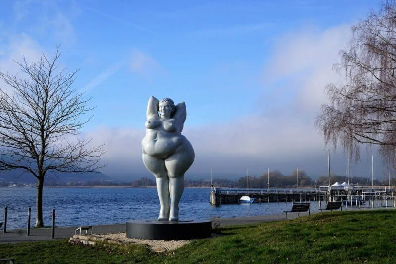 an statue of a fat lady