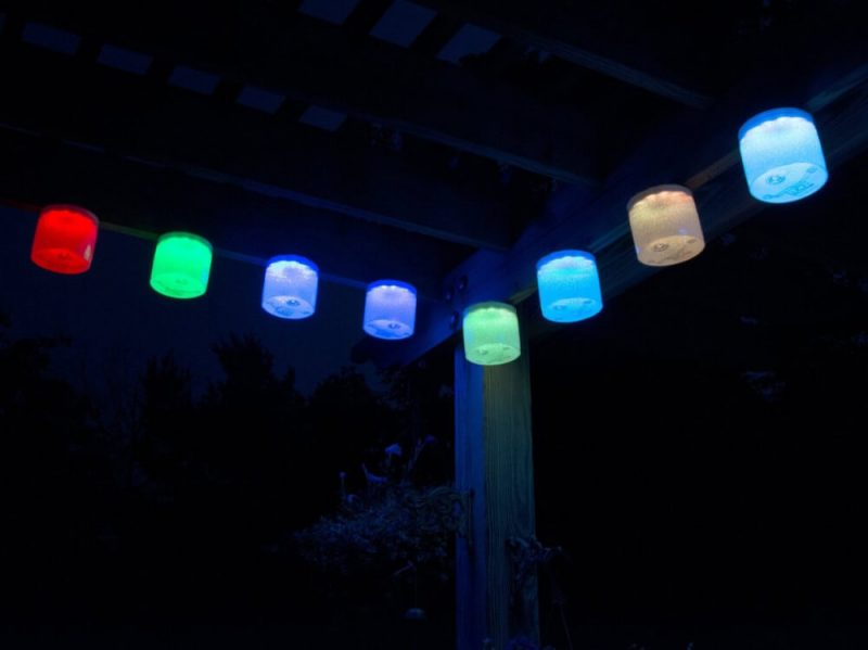 luci-aura-inflatable-color-changing-solar-lantern-6