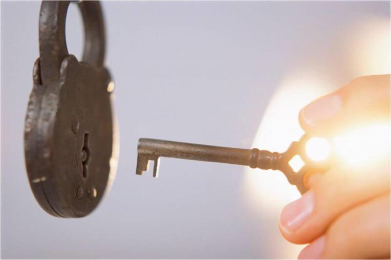 key and a padlock