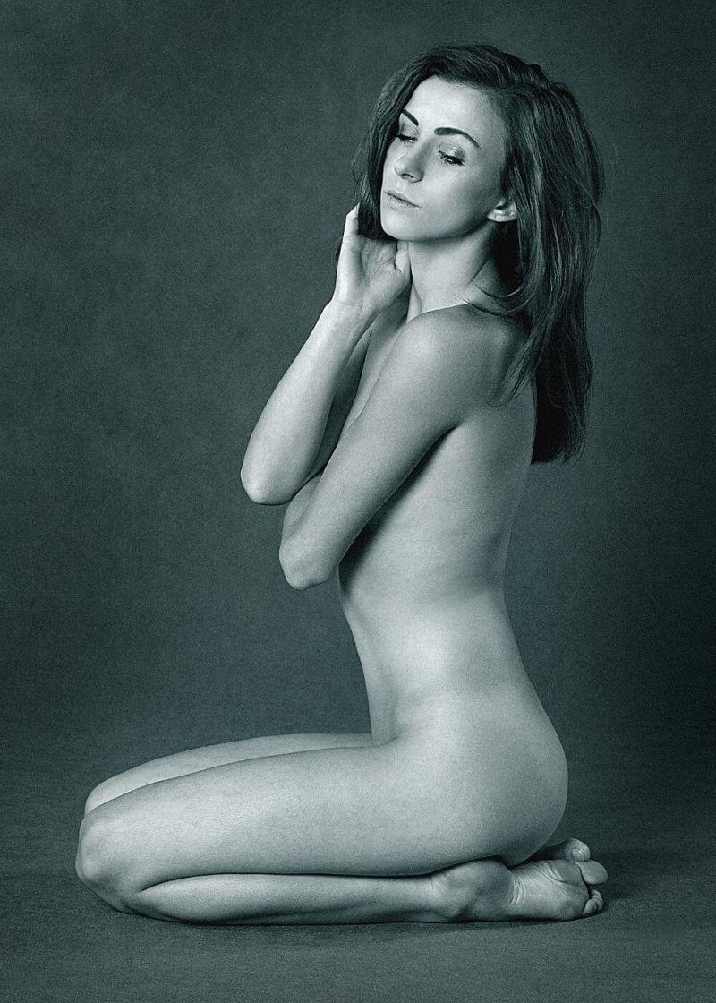 beautiful woman naked