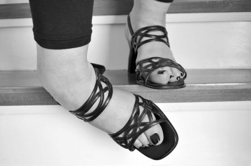 legs in open shoes